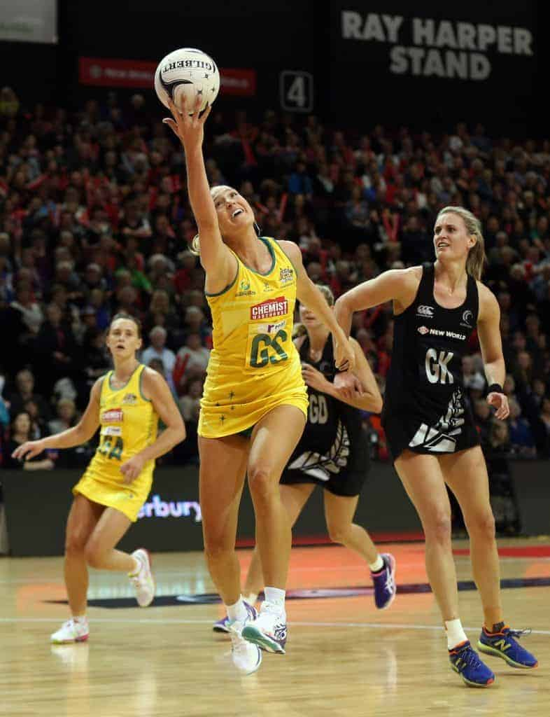 Your guide to choosing the best netball shoe - 1